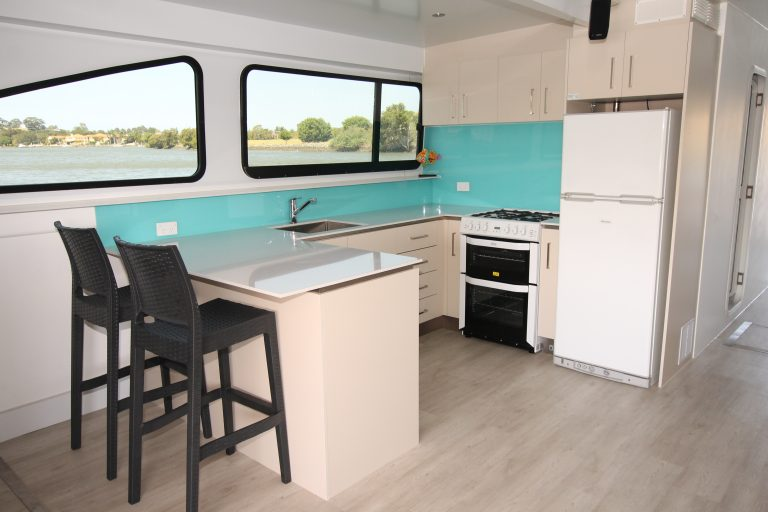 Rent Houseboat Gold Coast
